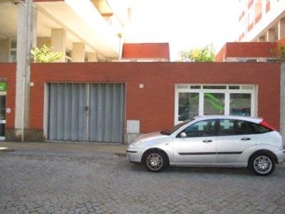 Armazém para venda em Ponte da Barca (Castanheiro, lote 2)