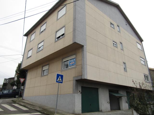 Garagem para venda em Bragança
